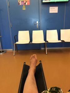 Wachten voor de foto bij de röntgenafdeling